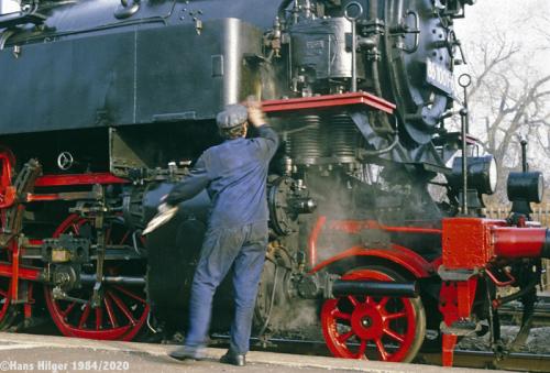 109-DIG05126h-552  Heizer-Schlettau-putzt 86 001-198400-5
